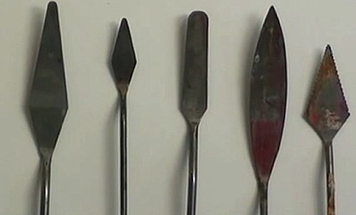 range of painting knives used the the painting