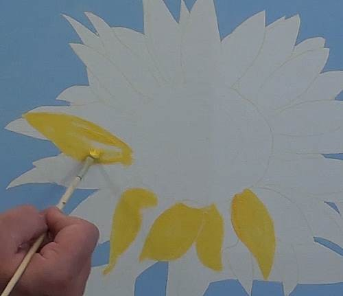painting the basic shape of the sunflower petals